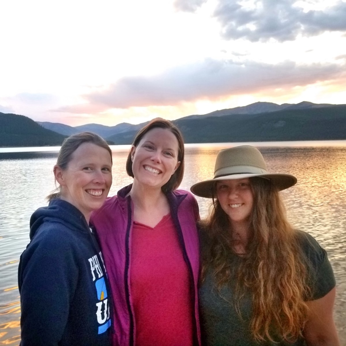 Turquoise Lake - Sunset with Friends